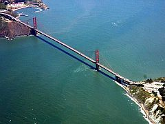 Golden Gate Bridge beim Anflug
