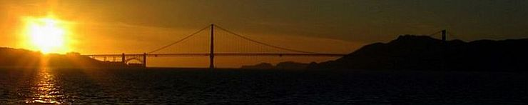 Die Golden Gate Bridge im Sonnenuntergang